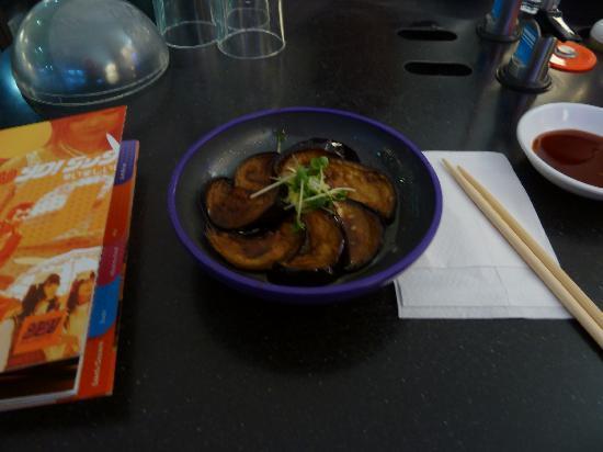 Yo Sushi - Victoria Station : Aubergine with harusame dressing (garlic, sesame, ginger)