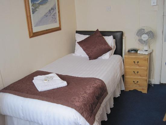 The George Hotel: Single bed