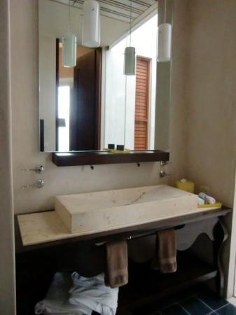 Rosas & Xocolate Boutique Hotel & Spa: Salle de bains