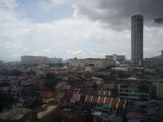Oriental Hotel: komtar view from our room