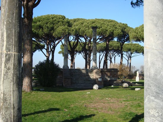 Ostia Antica, İtalya: View from the Amphitheatre