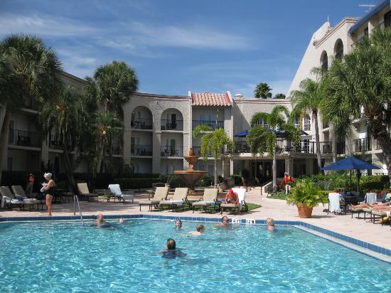 Wyndham Boca Raton View Of Gardn Pool Area