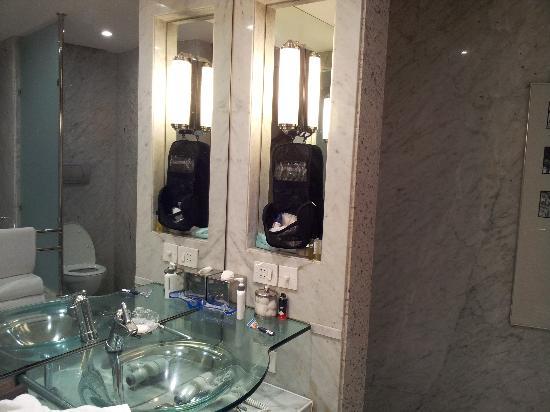 Hyatt Regency Kolkata: Bath Room