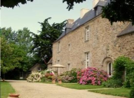 Manoir de la Hazaie : From the front