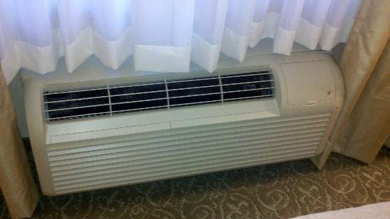 Country Inn & Suites by Radisson, Asheville West (Biltmore Estate), NC: AC/heat unit. Older model, but quiet.