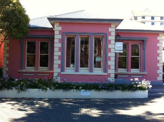 The Classic Villa: Front