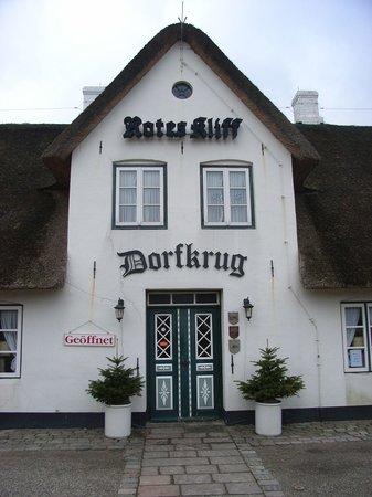 Dorfkrug Bar & Grill: Der Dorfkrug hat eine über 130-jährige Tradition