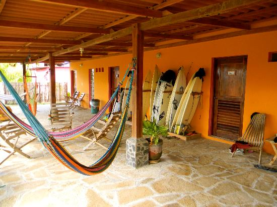 Buena Onda Beach Resort: Hammocks.