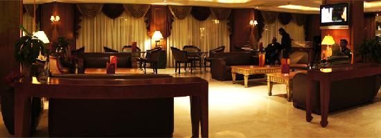 Golden Tulip Galleria Hotel: lobby