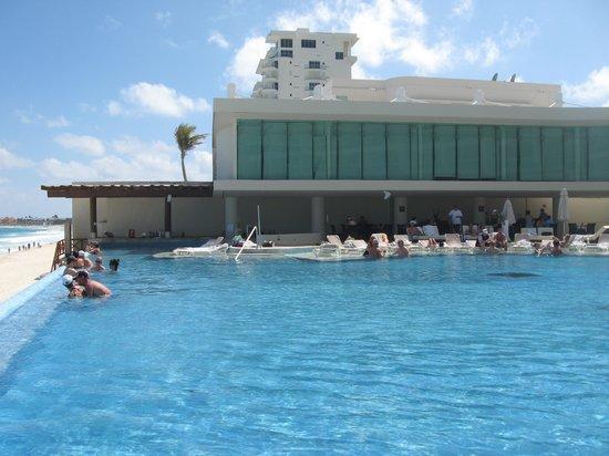 Sun Palace : Activities pool
