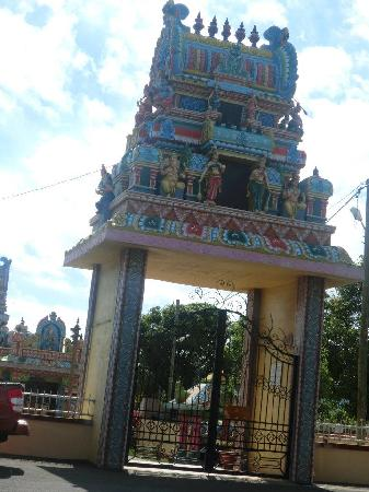 Tamil Surya Oudaya Sangam Temple : entrance