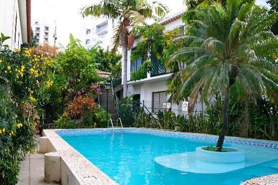 Vila Vicencia: The small pool area.