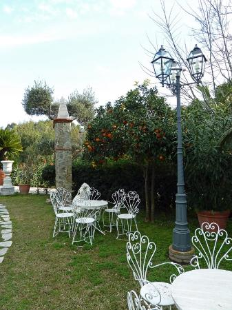 überall Schöne Sitzecken Im Garten Picture Of Castello Di San