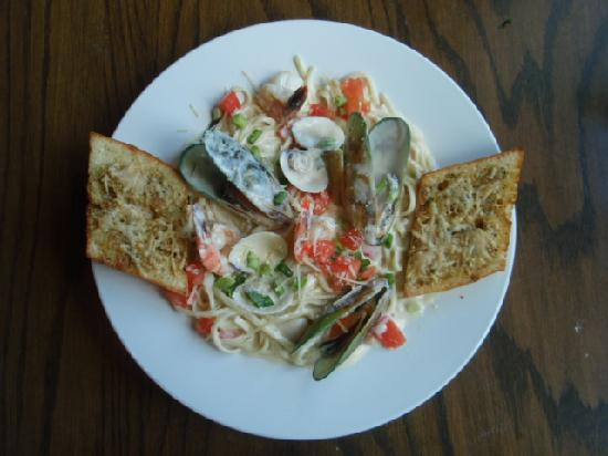 Ducks and Drakes: Seafood Linguini