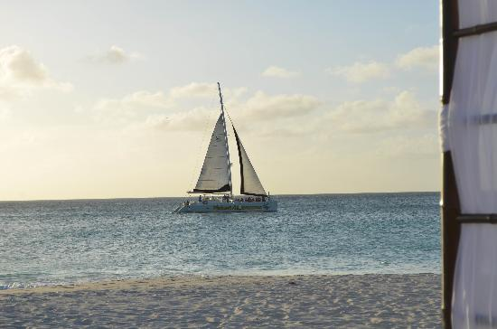Casa Del Mar Beach Resort: Sailboat from the beach