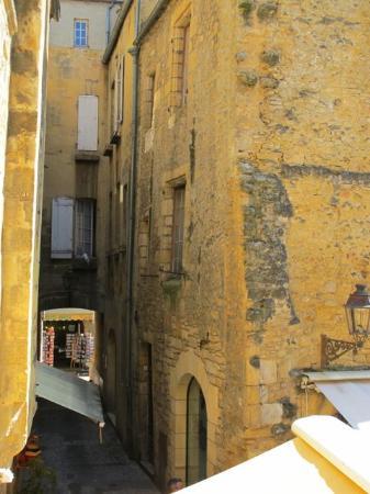 Les Chevaliers de la Tour: Wonderful buildings