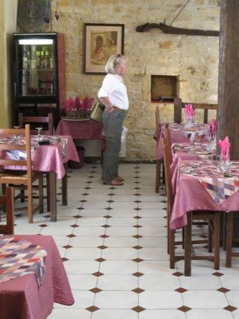 Les Chevaliers de la Tour : Comfortable eating