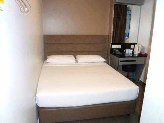 Fragrance Hotel - Bugis: habitacion pequeña