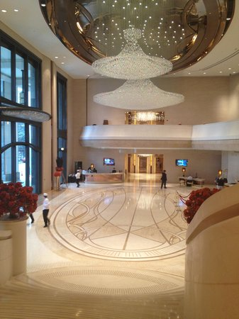 Harbour Grand Hong Kong: Beautiful Lobby - Excellent First Impression!