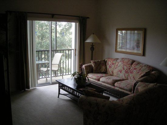 Bahama Bay Resort Orlando by Wyndham Vacation Rentals: living room