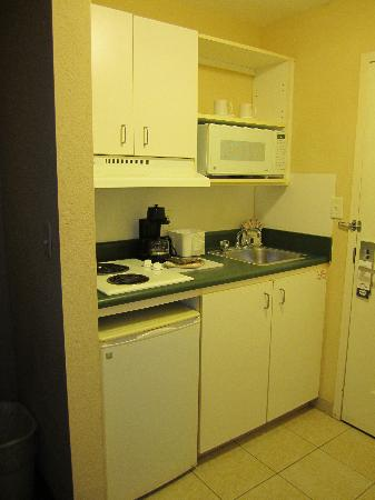 Suburban Extended Stay of Fort Myers: kitchen area