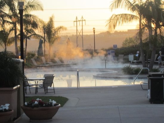 Sheraton Carlsbad Resort and Spa: East cost time, early morning at the pool