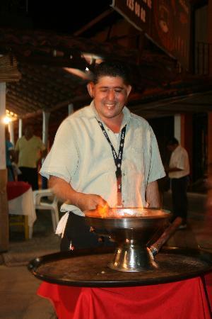 Quique's Place: Lalo making Lalo Shrimp, yummy