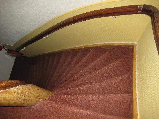 Jupiter Hotel: una delle rampe di scale