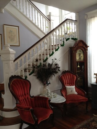 Hastings House: the beautiful front foyer.
