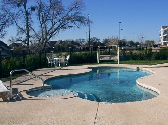 Microtel Inn & Suites by Wyndham Arlington/dallas Area: Pool