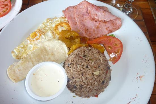 Hotel Costa Verde: Pinto Gallo breakfast @ Anaconda