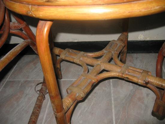 Siam Sawasdee: А это грязь на мебели...(фото Евген)
