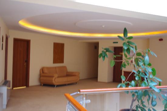 Euro Hotels International Triumf: Internal atrium