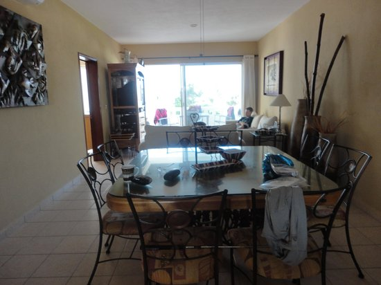 Flamingos Beach and Golf Resort : living area