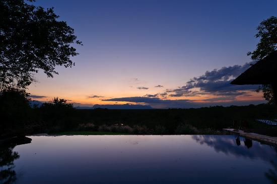 Khaya Ndlovu Manor House - Sunset