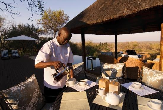 Khaya Ndlovu Manor House - Coffee on the Deck