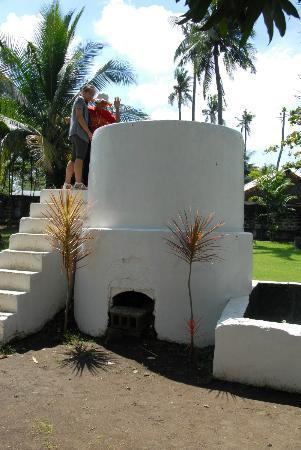 Aguinaldo Shrine: wash machine