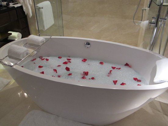 The St. Regis Bangkok: floral bath