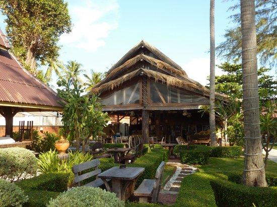 Beachcomber at Lanta Castaway: Beachcomber Restaurant Front