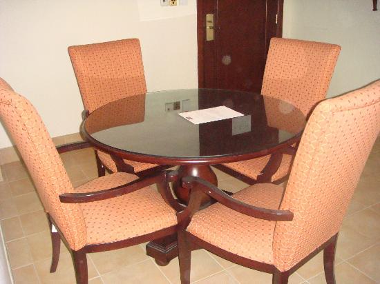 Mercure Grand Hotel Seef: dining area