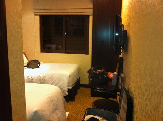 Hotel Nostalgia: Twin Room 1