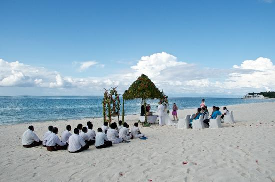 ‪‪Vatulele Island‬, فيجي: Our dream wedding 13/12/11‬