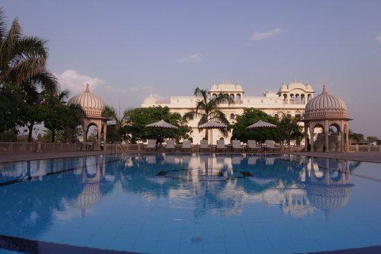 Laxmi Niwas Palace: Poolview from Laxmi Vilas Palace