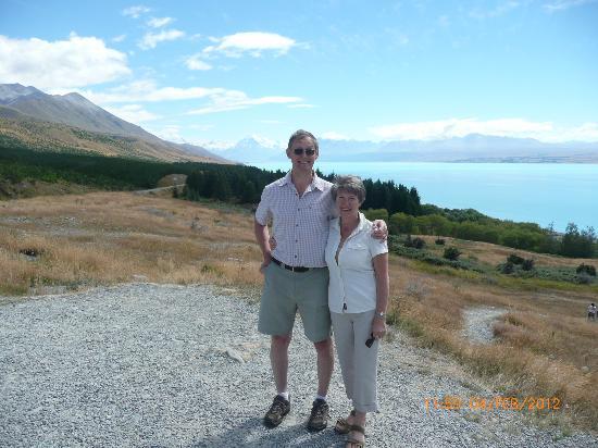 Lone Kauri Lodge: Alan & Linda at Mount Cook