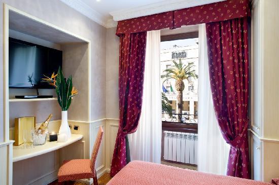 Al Viminale Hill Inn & Hotel: camera con vista teatro