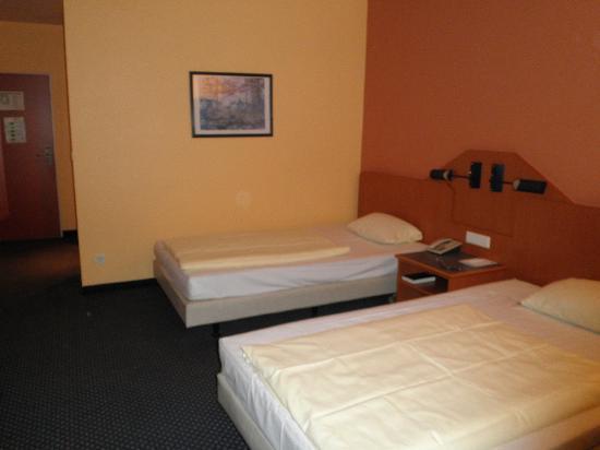 Arcadia Hotel Heidelberg Schwetzingen Germany Booking Com