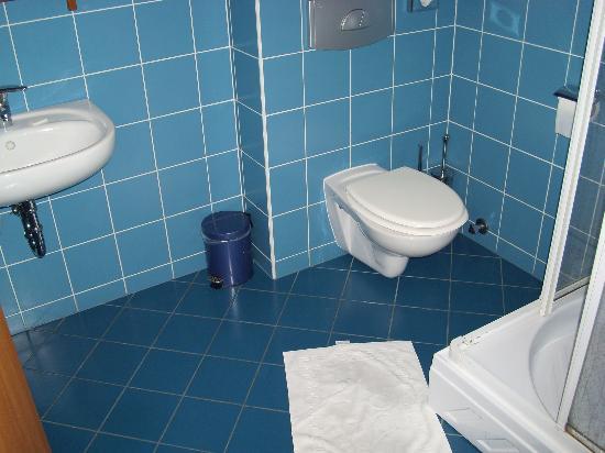 Panzio Sissi : bathroom