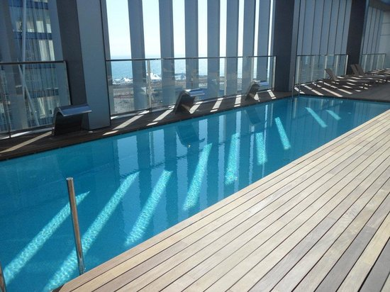 Hotel SB Diagonal Zero : View of the rooftop swimming pool