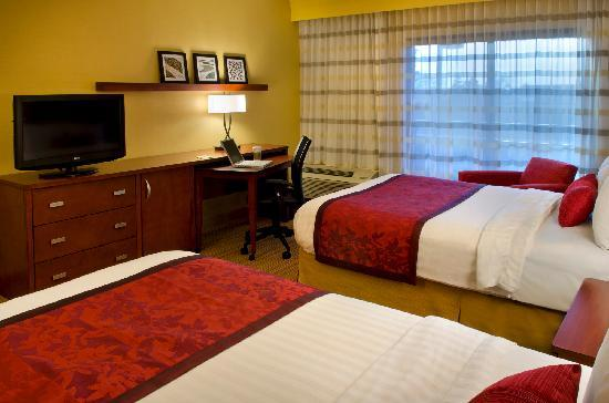 Courtyard Syracuse Carrier Circle: Double Guest Room