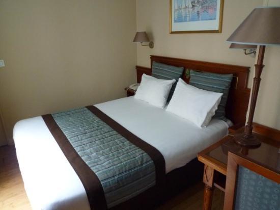 Moris Hotel: Zimmer